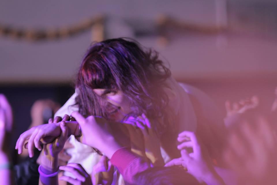 Camila Moreno y su público en el Teatro Cariola (FB de la artista)
