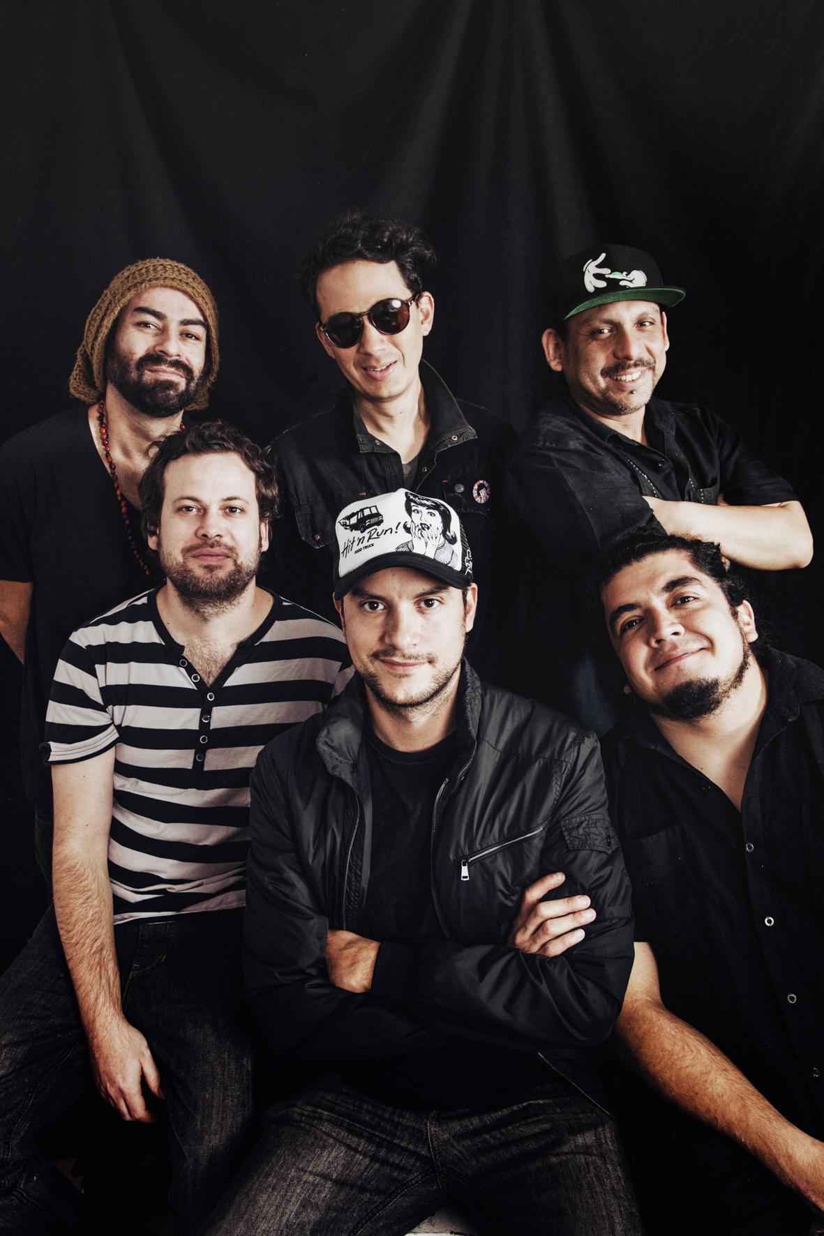 Bareto: Sergio Sarria, Jorge Olazo, Rolando Gallardo, Joaquín Mariátegui, Jorge Giraldo y Mauricio Mesones